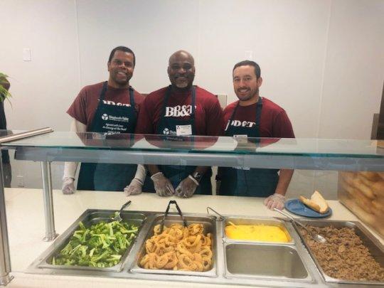 BB&T volunteers serving lunch