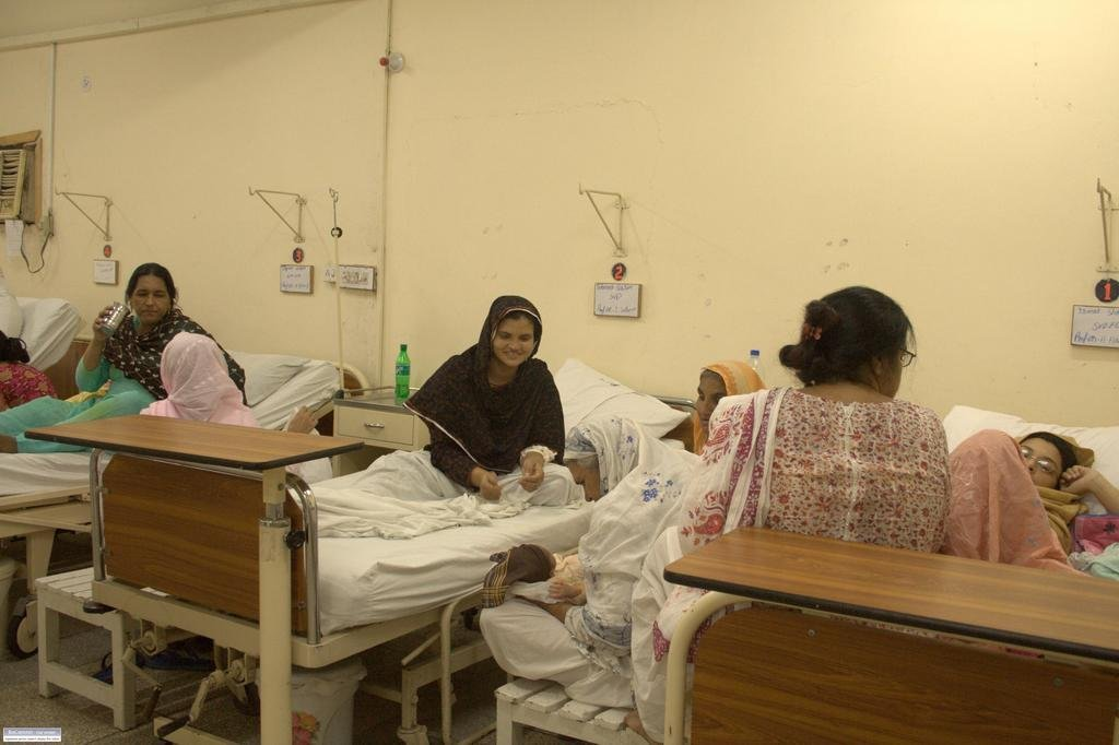 Providing Iftar to Families of Hospital Patients