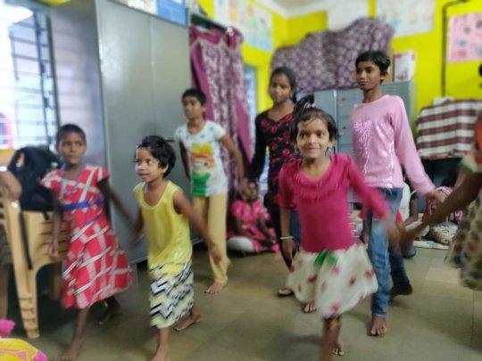 Girls dance hour