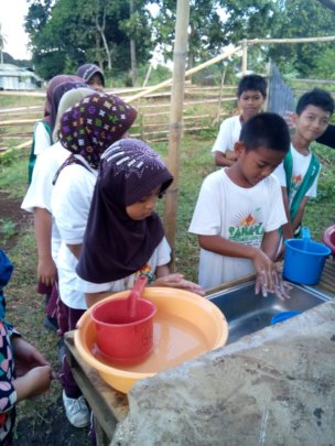 New wash basins at Sahaya Elementary