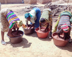 Producing the karite (shea) oil in villages