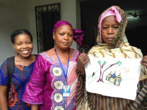 Refilwe Moahi, Peace Fellow (left) at the center