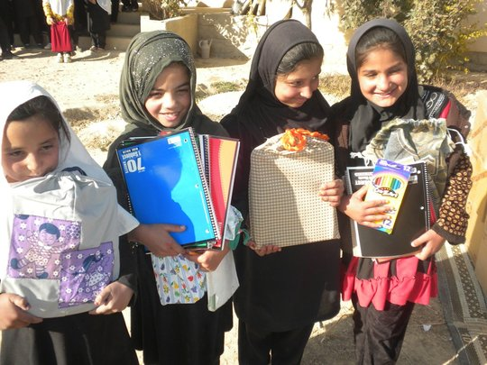 Koshkak kids get school supplies