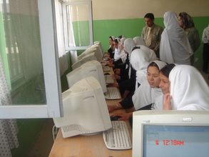 computer education class for girls
