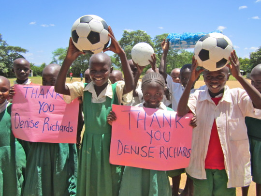 Kilaatu PS expressing thanks for balls donation