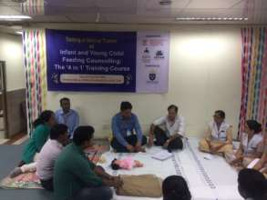 Conducting a group session on positioning the baby