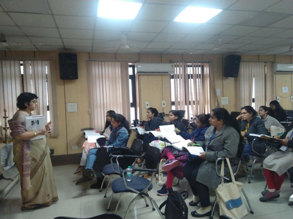 Dr.Sangeeta Rani taking the session