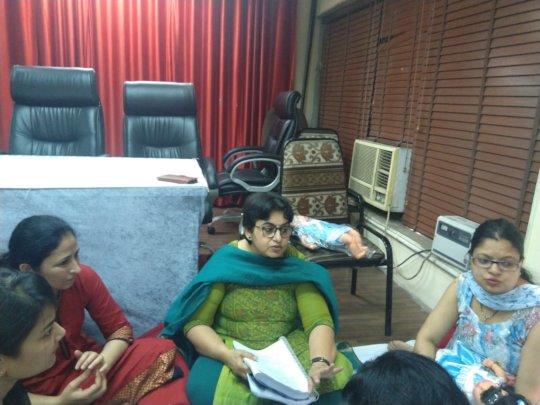 Dr.Sangeeta taking the session
