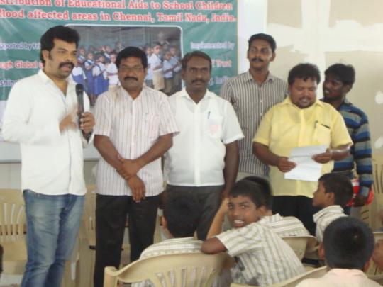Cine Directors talk to Chennai flood Children