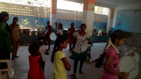 Street play & folk dance training