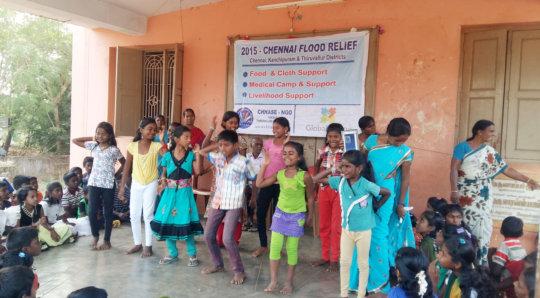 Entertainment to flood victim children
