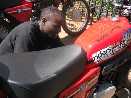 Dan Nyakundi, Riders' technician in Kenya