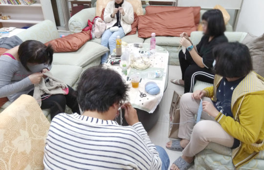 Knitting course at Jonah House