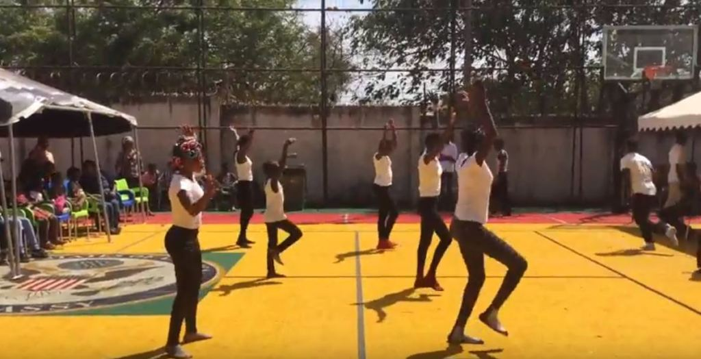 Performance by MindLeaps Guinea students