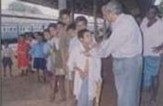 Alternative school for railway platform children