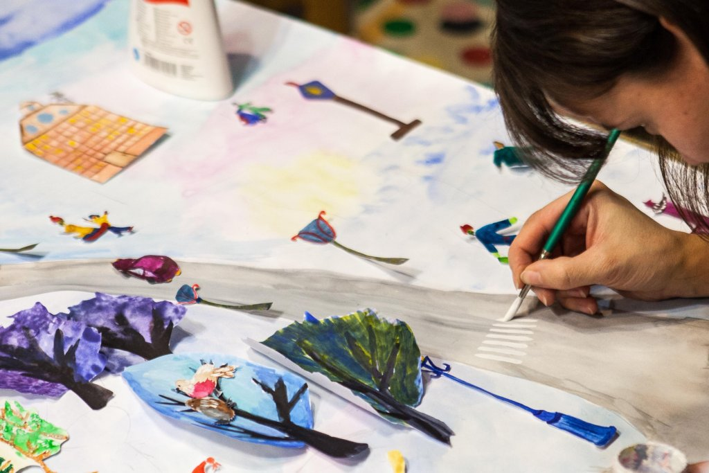 Daily Art Classes for orphanage children and youth