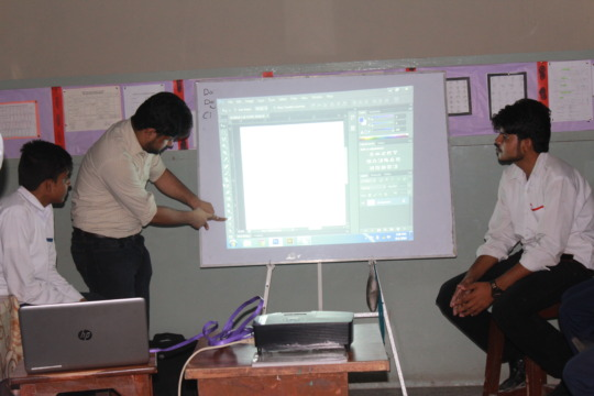 Our hearing-speech impaired trainer Waqas teaching
