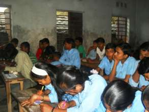 Participation of girls in a Govt. school classroom