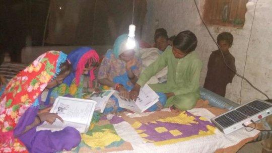 children study in night vi solar bulb