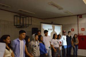 Students show Documentary/Apresentam Documentario