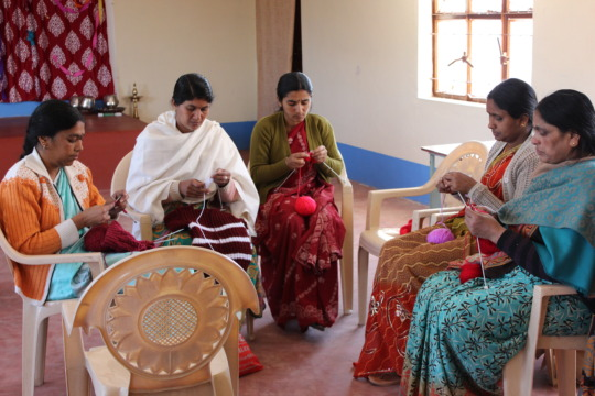 Knitting practice sessions for the participants