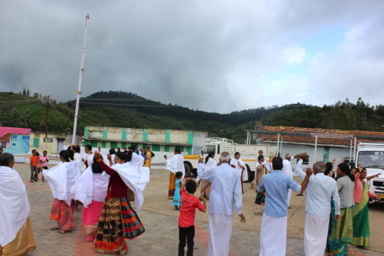 Traditional Badaga dance by programme participants