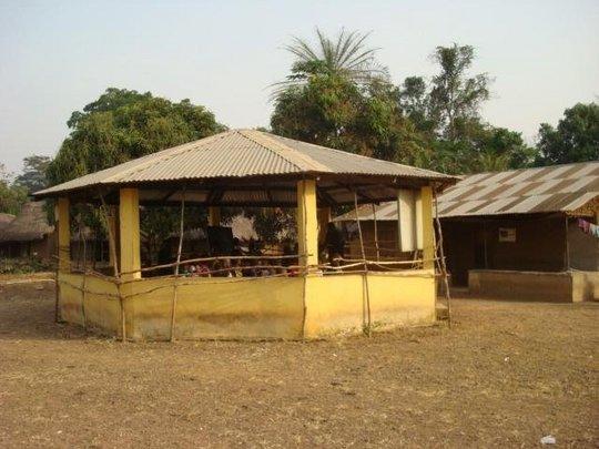 Old school building - Kambama