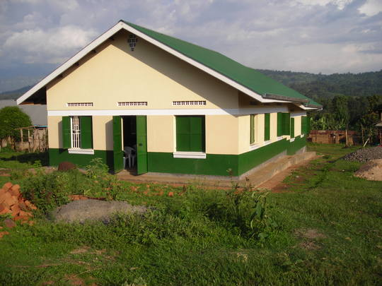 The new building opens its doors to the Buyobo community.