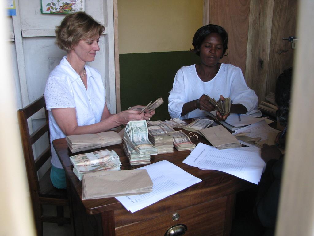Robyn Nietert, WMI Pres., helps with 2010 loans