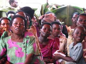 Bulambuli women meet to hear about WMI's loans