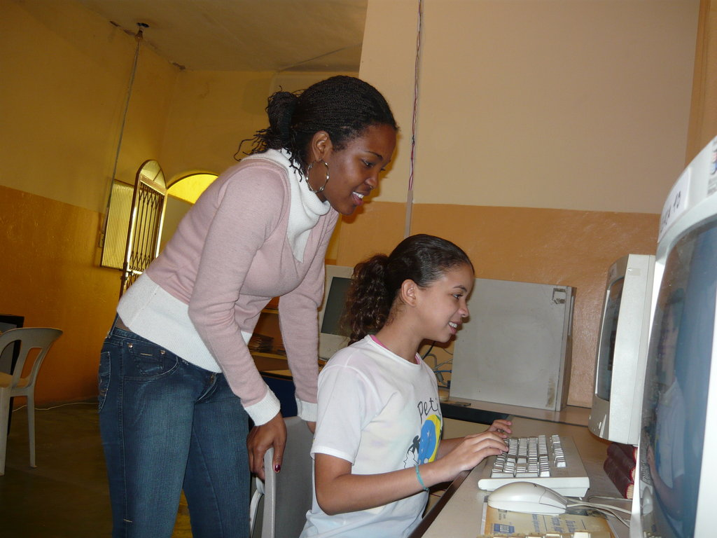 Community Development Through IT Training In Rio