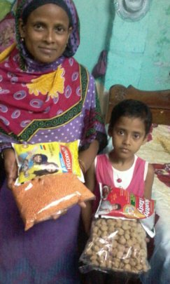 Sonali and daughter Suhana