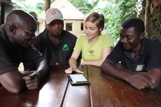 A PASA volunteer teaching staff at Ape Action