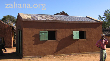 Building the communal rice storage