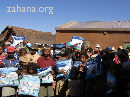 Distributing Mosquit nets to the community