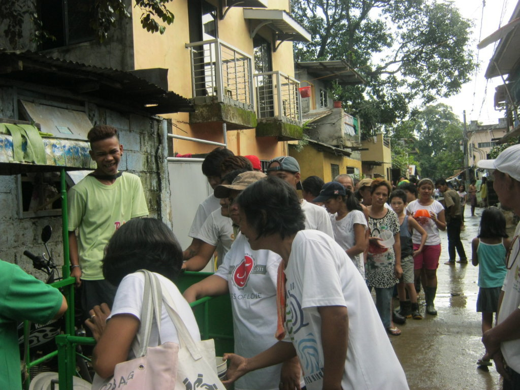 Hot meals being provided during a past flood