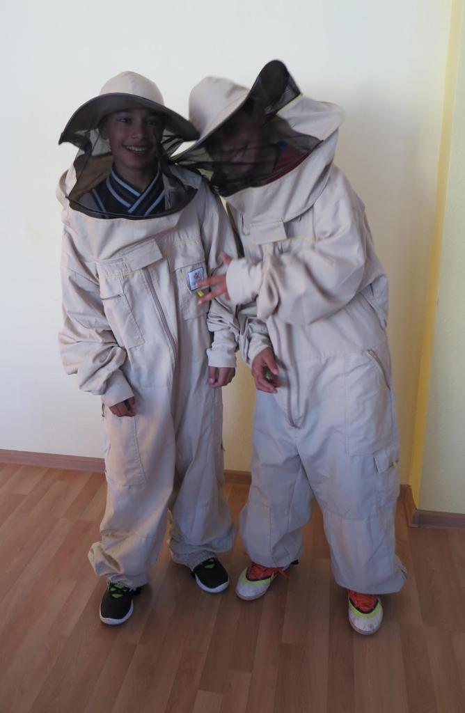 BeeSchool students