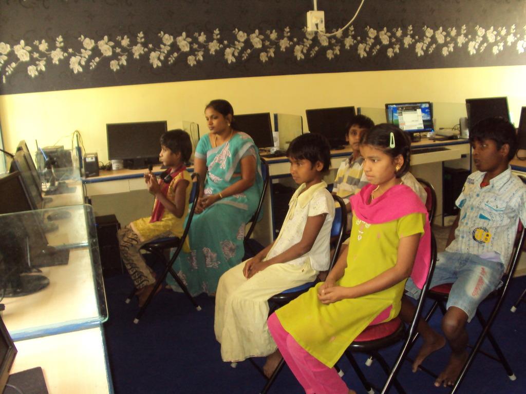 Children attending the online class