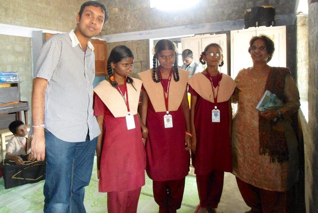 ESL tutor with IELC school children