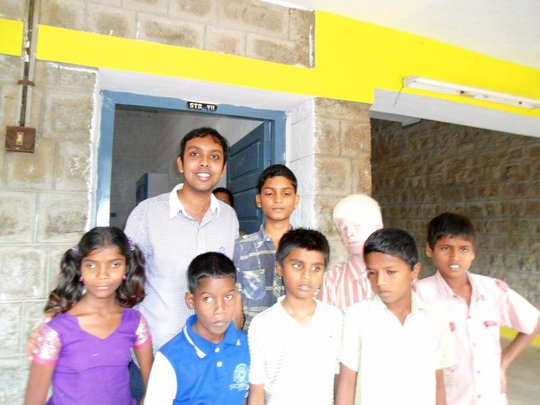 ESL tutor with IELC school children