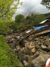 Toppled house in Nishihara