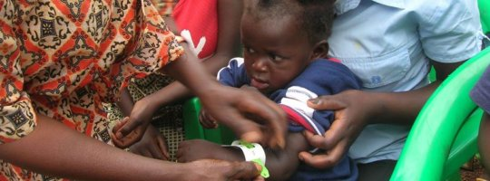 First aid kits to 5 primary schools in Uganda