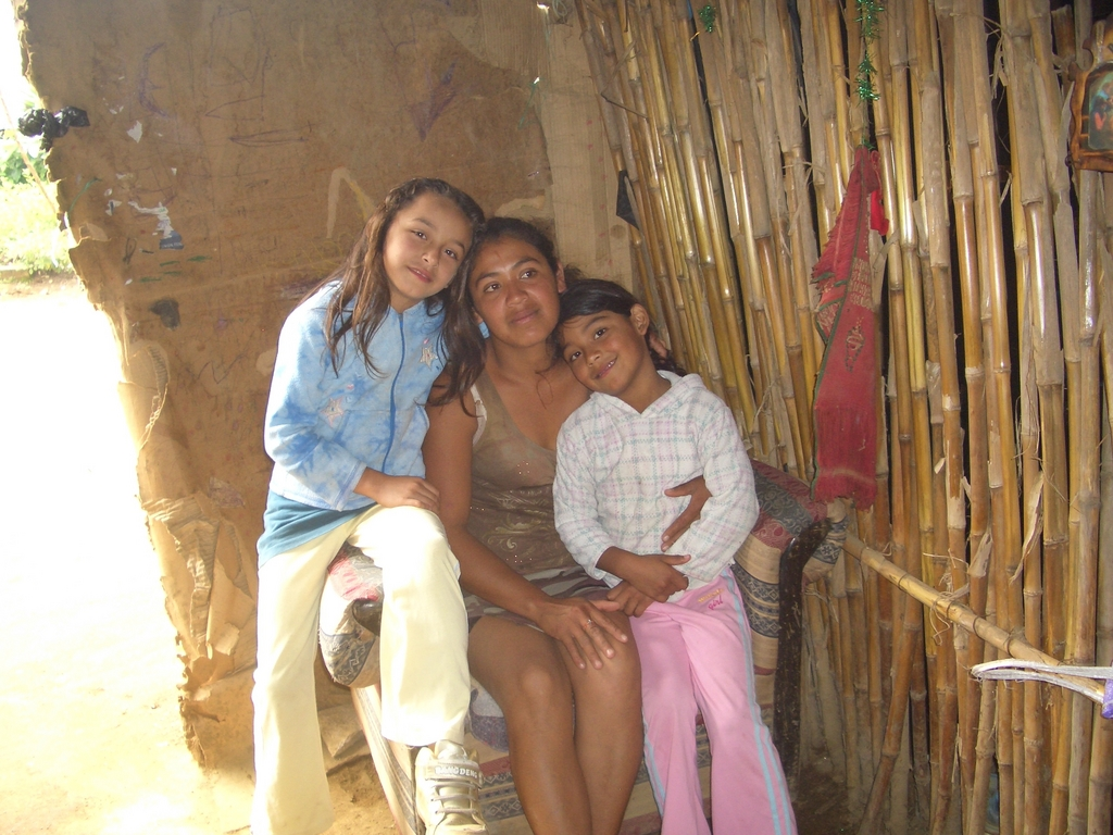 Mariela and her two daughters
