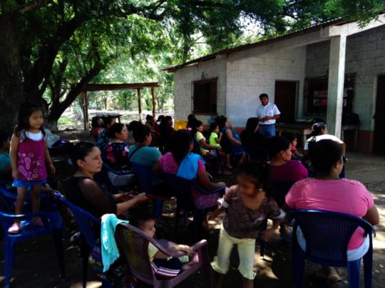 Luis gives a talk at La Vega (Mazatenango)