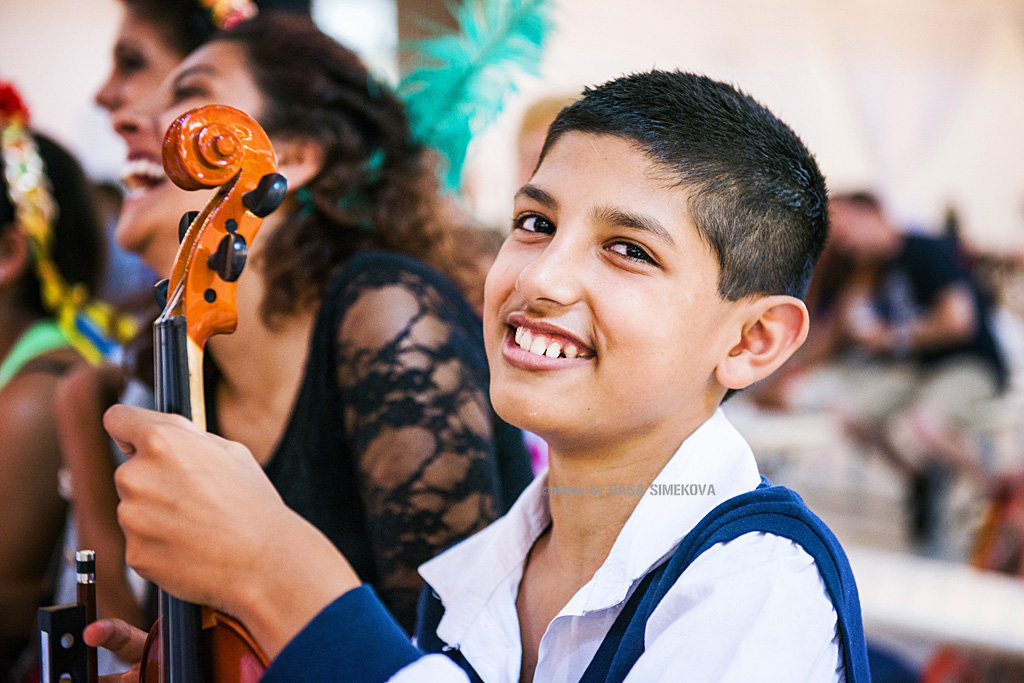 Provide Education for Talented Roma Children