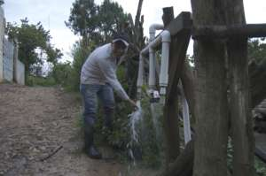 Clean running water in Xiquin Sanahi!