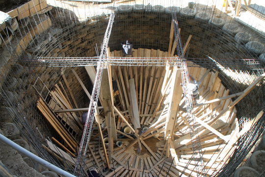 Formwork on the walls of the giant cistern.