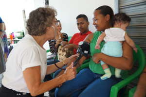 Family being treated at clinic in DR