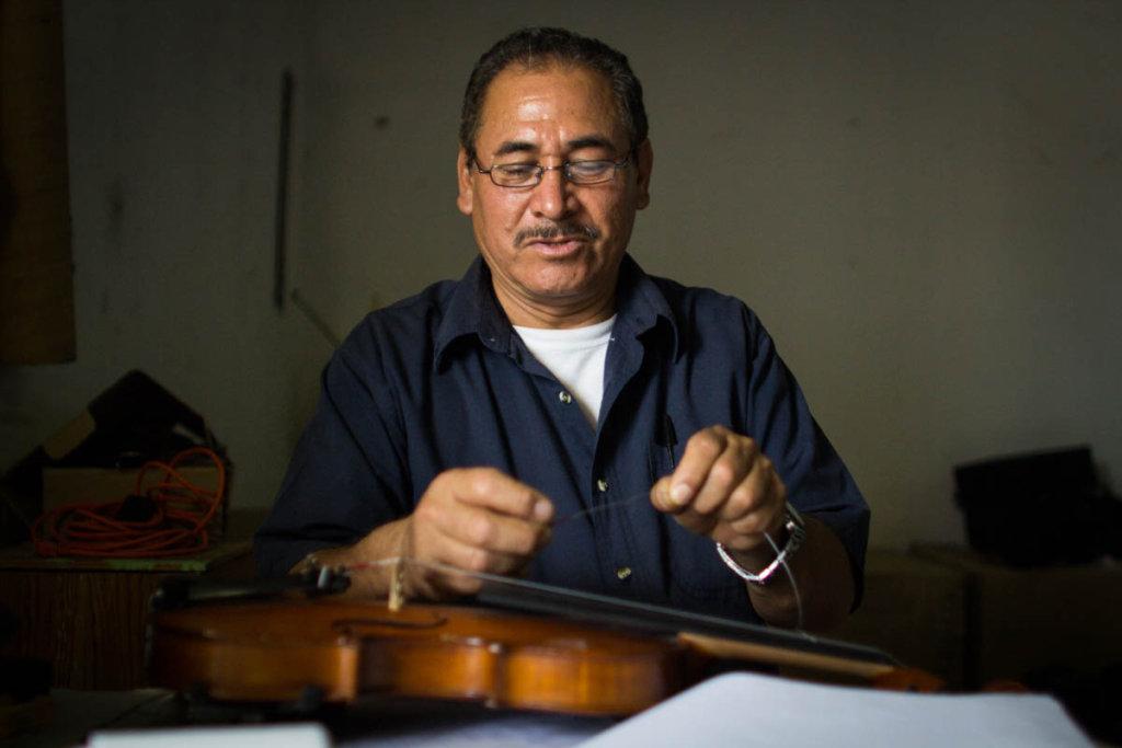 Change 900 mexican children's lives through music