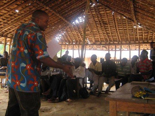 Prof. Didier Mbenga teaches agroforestry workshop